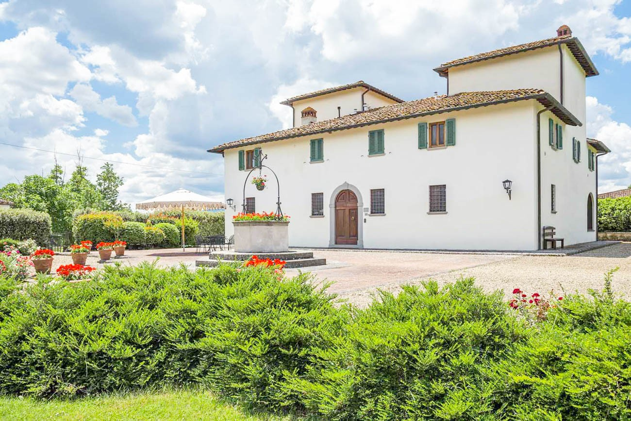 villas in tuscany with chef Aronne