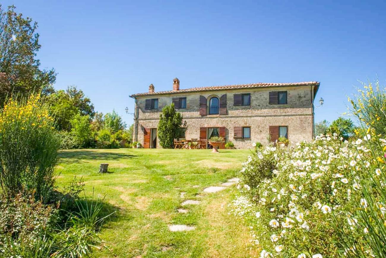 vacation rental homes tuscany italy Vera